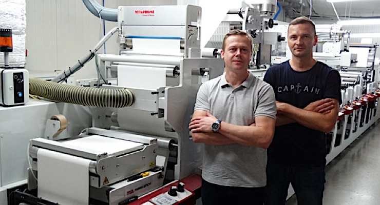 Maciej Malesa and Leszek Zelazny with Mal-Pol's new Mark Andy P5.