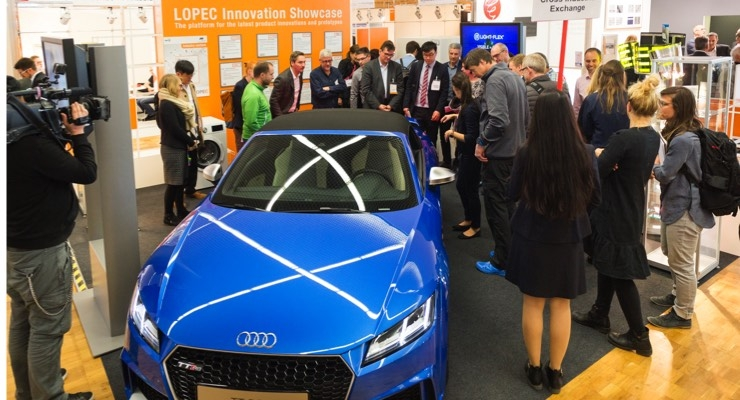 LOPEC 2017 attendees check out the OLED tail lights on Audi. (Source: LOPEC)