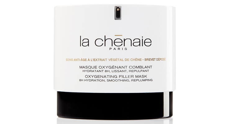 La Chênaie worked with Lumson to develop this protective and efficient airless jar for La Chênaie's Oxygenate Filler Mask.