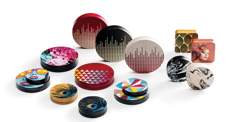 Quadpack's digitally printed wood compacts.