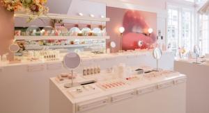 Glossier Opens A Retail Store in LA
