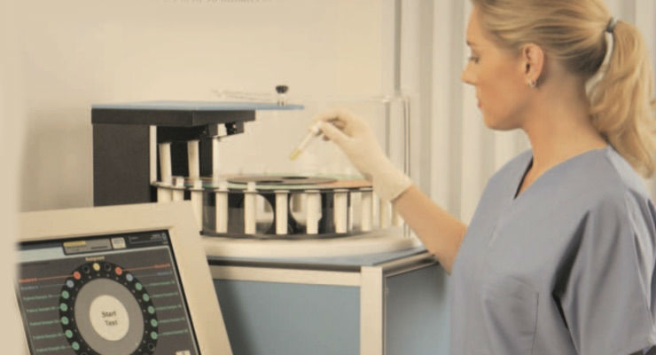 The FDA-approved BVA-100 measures blood volume with an accuracy of plus or minus 2.5 percent in 90 minutes or less. Image courtesy of Daxor Corporation.