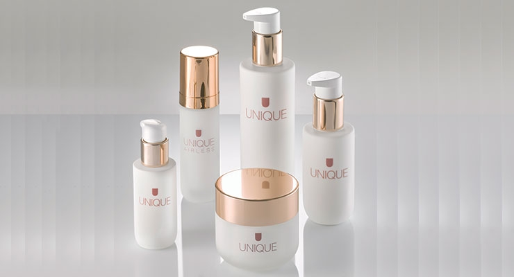 Lumson's new in-stock Unique packages feature one airless bottle, which is designed to match the other plastic bottles and jars in the collection, as well as a glass serum bottle.