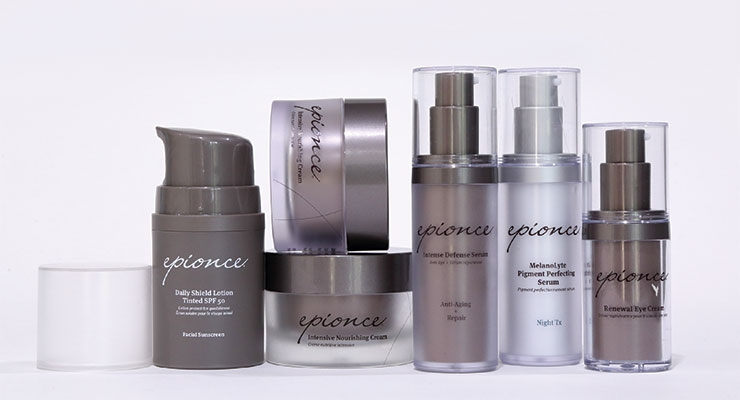 Seacliff supplies airless bottles for anti-aging skincare and serum products, for a variety of brands.