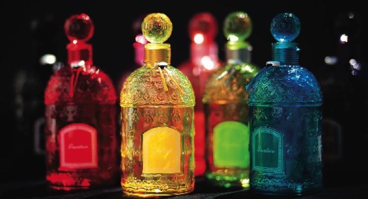 Guerlain Showcases Custom Bottles