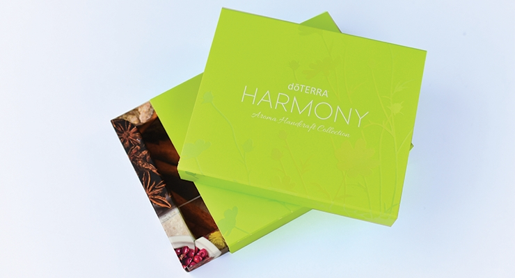 JohnsByrne created this attractive, interactive housing for doTerra's Mother's Day Harmony Perfume kit.