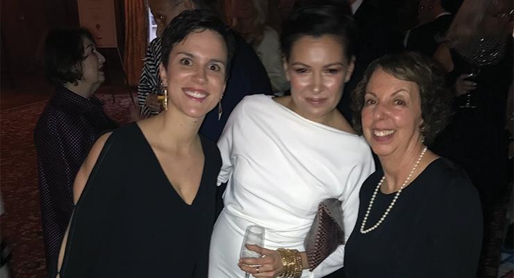 Claire Mauger (L), Linda Villalobos (both from Infopro-Digital); Jamie Matusow