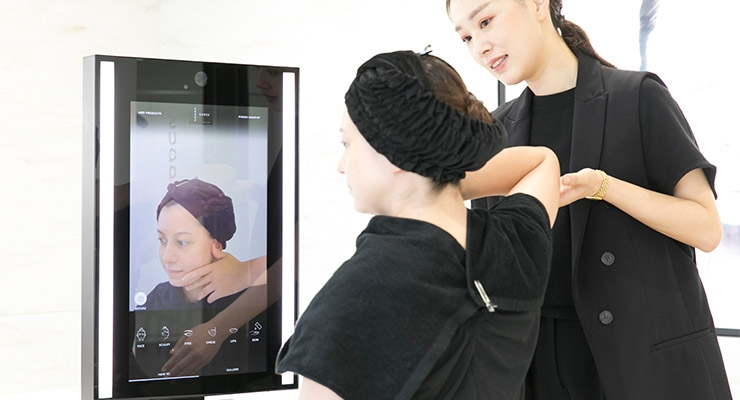 e'quipe to Introduce MemoMi Labs Digital Mirror