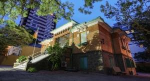 PPG's Tintas RENNER, O Bairrista Partner to Revitalize Embaixada Bairrista House