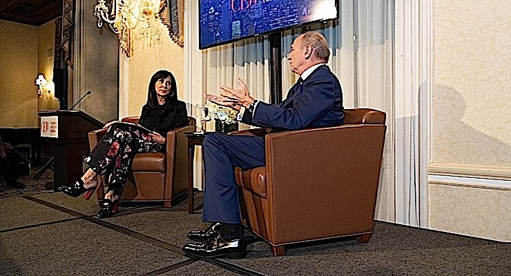 Jill Scalamandre, president, Bare Escentuals, and Global Makeup Center of Excellence, Shiseido, with Jean-Paul Agon, chairman and CEO of L'Oréal, at CEW Newsmaker Forum.