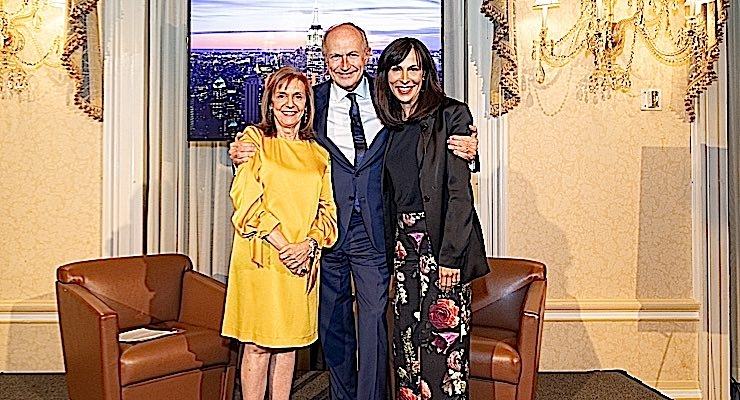 Carlotta Jacobson, president, CEW, Jean-Paul Agon, chairman and CEO, L'Oréal and Jill Scalamandre, president, Bare Escentuals and Global Makeup Center of Excellence, Shiseido at CEW Newsmaker Forum.