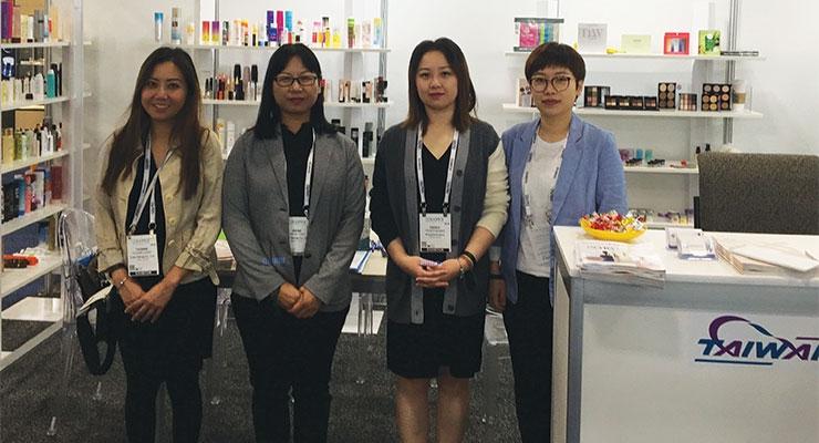 Yuan Harng (L-R): Yvonne Chew,Irene Yan,Teddy Huang, Maggie Liu