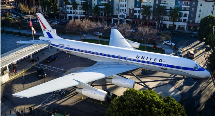 AkzoNobel Donates Coatings for United Airlines Douglas DC-8 Restoration