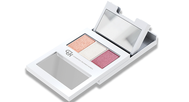 CTK Cosmetics' Open Mirror Palette, highlights the #satisfying sliding gesture, and offers options with shapes, inserts, windows and more.