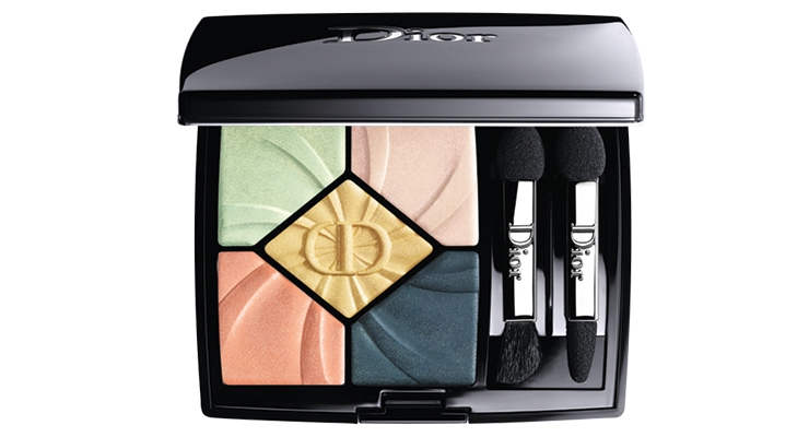 A Dior compact in the Spring-Summer 2019 haute couture collection.