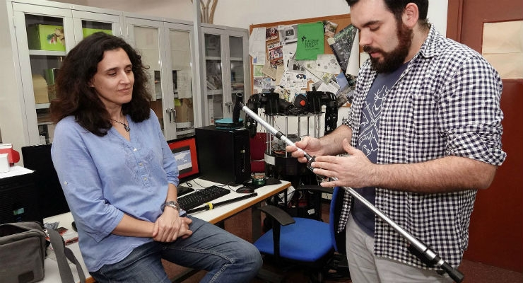 Researchers from University of Malaga have designed a mechanized cane that measure patients