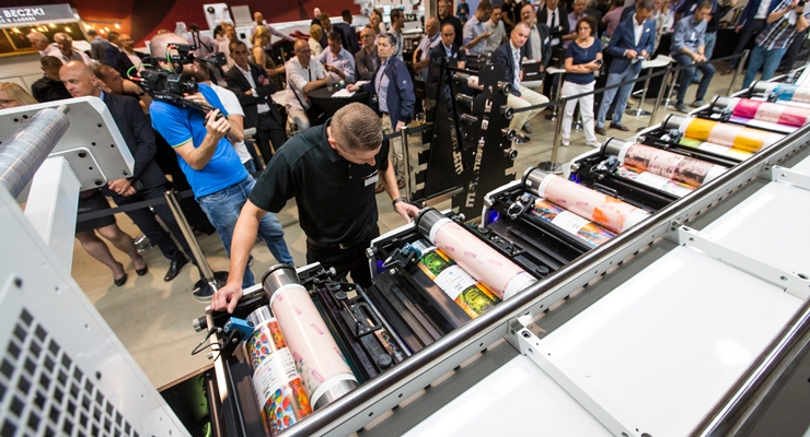 Mark Andy showcases its Performance Series press line at Labelexpo.