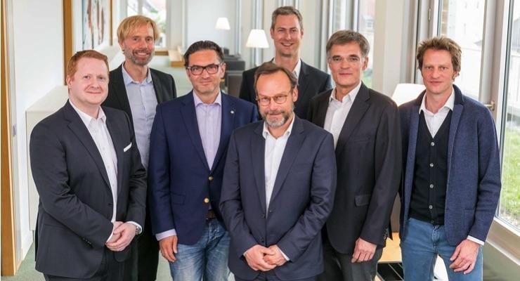 (L-R): Stefan Kappaun, EVP Inks & Fluids, Durst Group; Christopher Kessler, general counsel, Koenig & Bauer AG; Christoph Gamper, CEO & co-owner, Durst Group; Christian Gatterer, CFO, Durst Group; Jochen Sproll, project manager Corporate Development, Koenig & Bauer AG; Claus Bolza-Schünemann, CEO, Koenig & Bauer AG; Harald Oberrauch, owner Durst Group