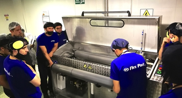 The Anilox Washer is one of two Flexo Wash machines installed at Flex Pack's plant in Bogota to improve print quality and productivity