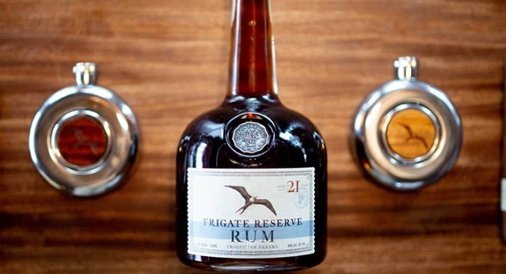 FRIGATE RUM RESERVE | CUSTOM SPIRITS PACKAGING