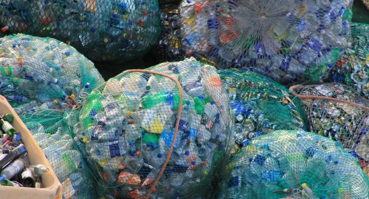 Will the EU Miss Its 2025 Plastics Recycling Target?