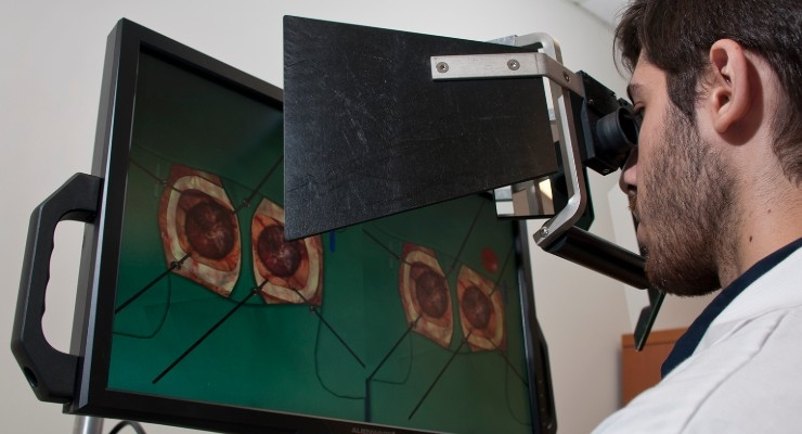 Machine learning-guided virtual reality simulators can help neurosurgeons develop the skills they need before they step in the operating room, according to a new study. Image courtesy of Helmut Bernhard/The Neuro.