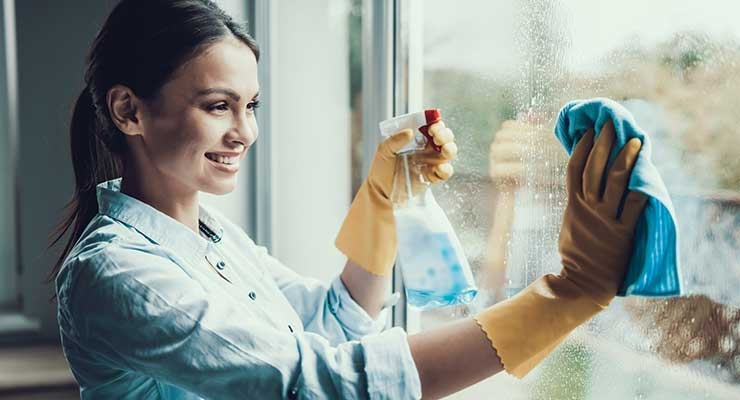 Effective Wetting & Leveling Agent for Glass & Multi-Surface Cleaners