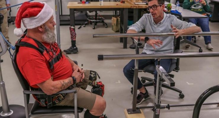 Computerized Bionic Leg Helps Amputees Walk