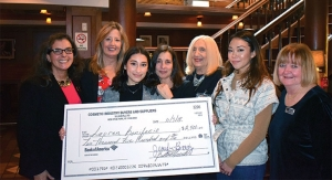 CIBS Presents 2019 Scholarship to FIT Student