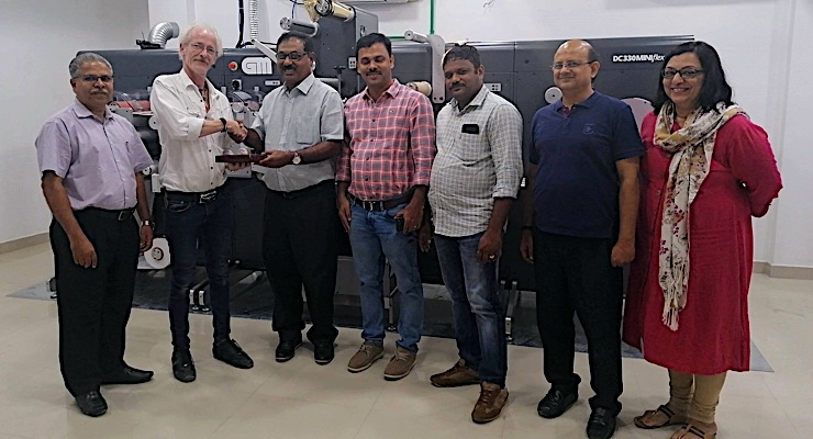 Indian converter adds GM dual varnish label finisher