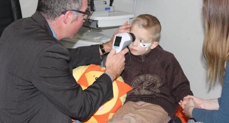 Handheld Eye Scanner Could Help Spot Autism Earlier