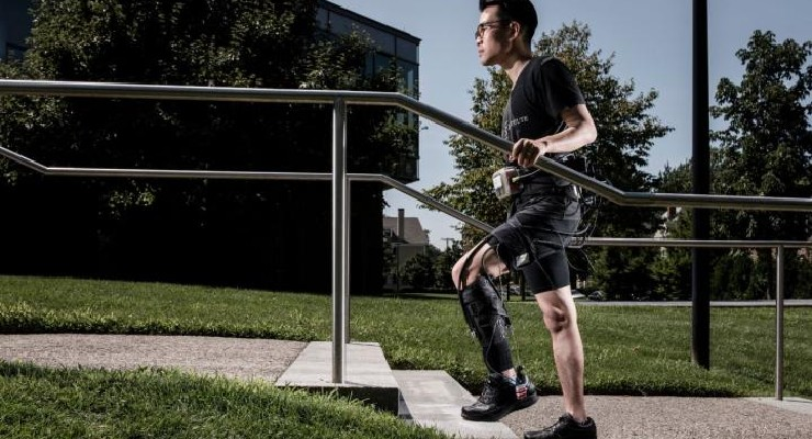 Soft Robotic Exosuit Helps Stroke Survivors Walk Faster and Farther