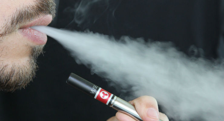 Most Patients Skeptical of E-Cigarettes, Vapes Affecting Bone Fracture Healing