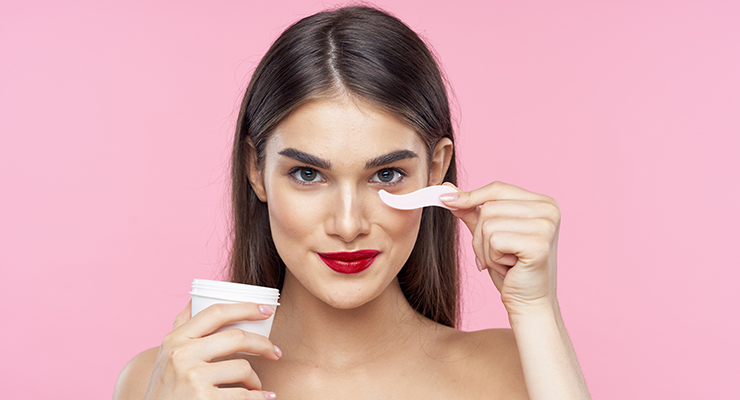 Cosmetic Packaging Market Expected to Top $32 billion by 2025
