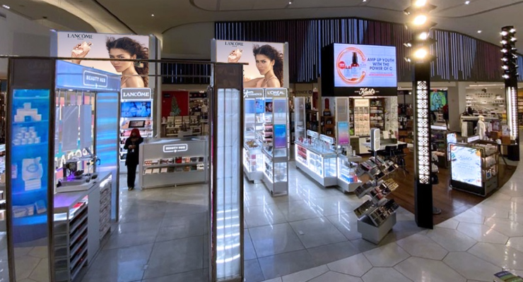L'Oréal Opens Beauty Hub in LaGuardia Airport