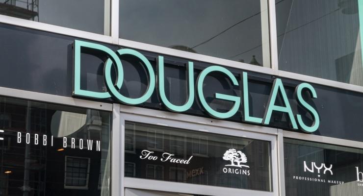 Douglas To Close 500 Doors