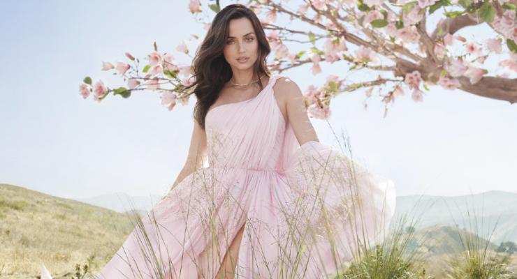 Estée Lauder Taps Ana de Armas as Global Brand Ambassador