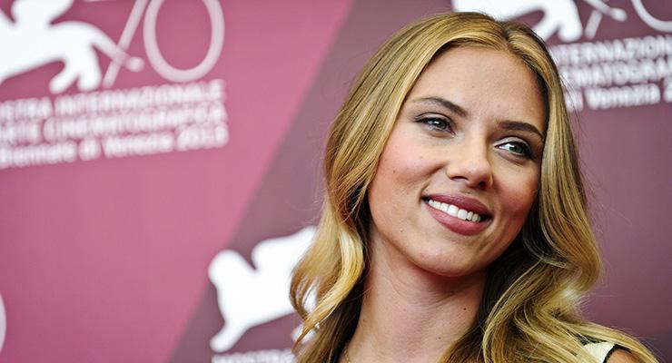 Scarlett Johansson To Launch Beauty Line