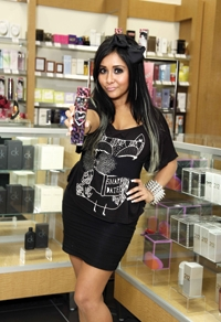Snooki Makes In-Store Appearances for New Scent