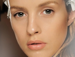 Pastels Pop This Spring at MAC