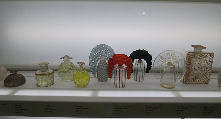 A Wealth of Fragrance Packaging